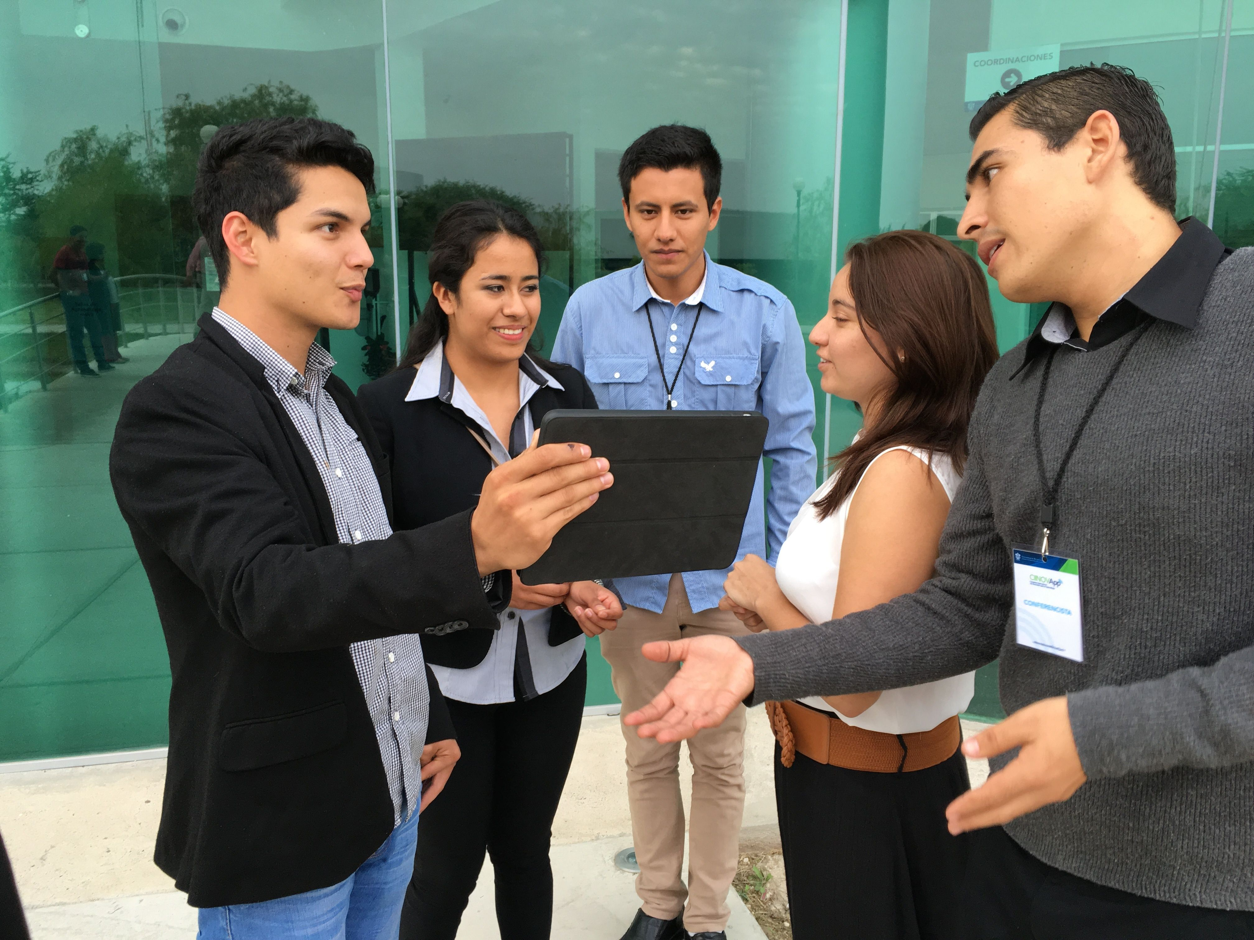 business comunication Business english communication skills from university of washington this specialization is designed to teach you to communicate effectively in english in professional contexts.